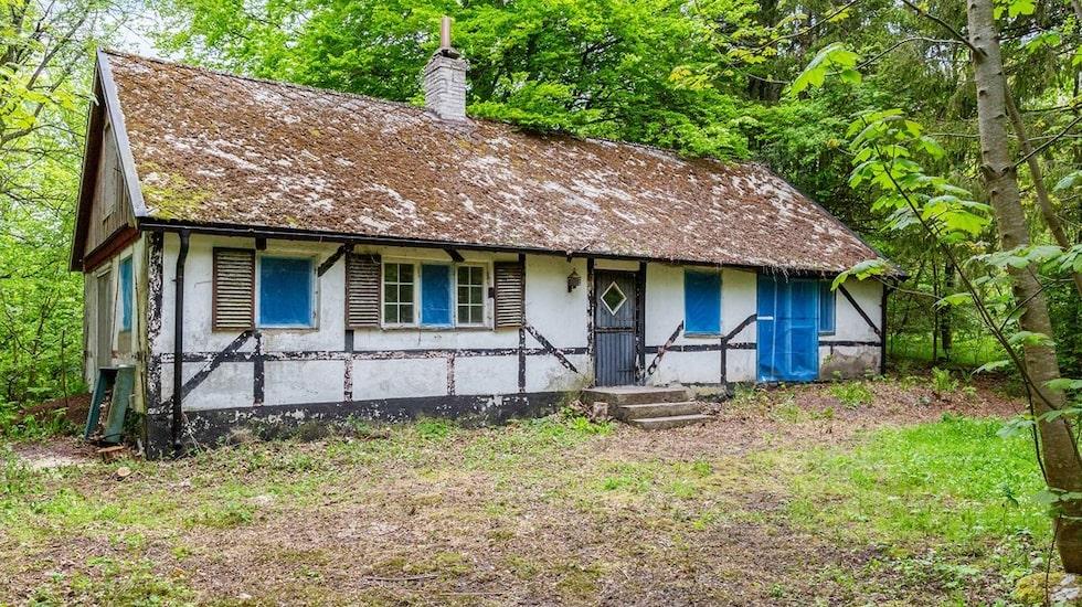 Det här huset som just nu är till salu har all potential att renoveras upp till något alldeles unikt.