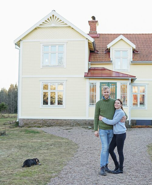 Gusten Lantz och Lisa Petersson har lärt sig allt om renovering tack vare sitt stora husprojekt.