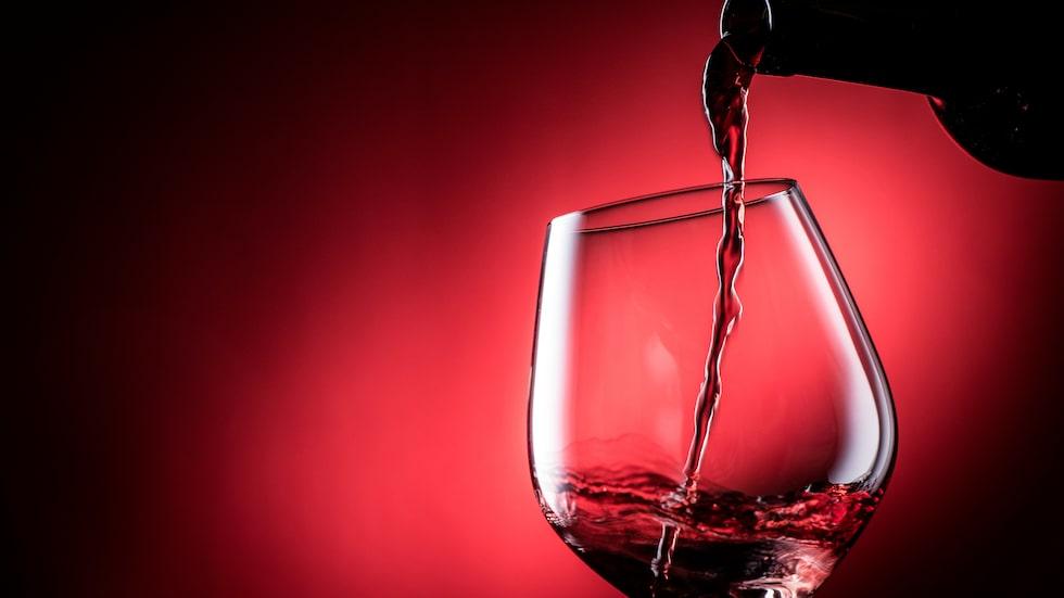 Vinbranschen granskas i Mats-Eric Nilssons nyaboken Château Vadå.