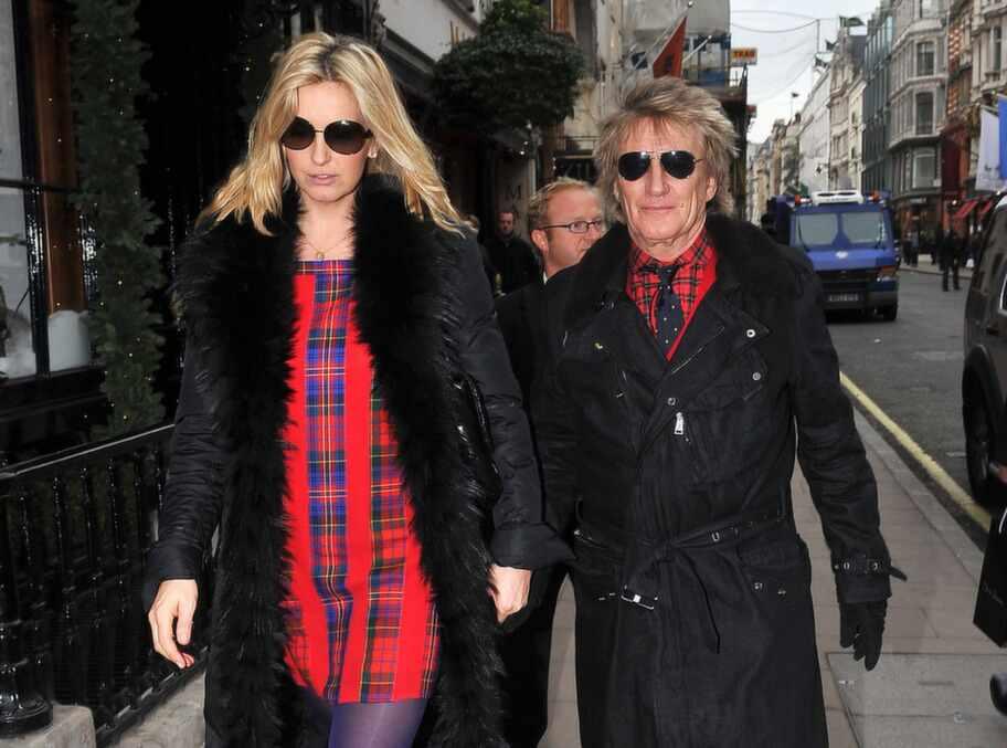 Ellen driver med Sofia Vergara - och hennes klädmiss