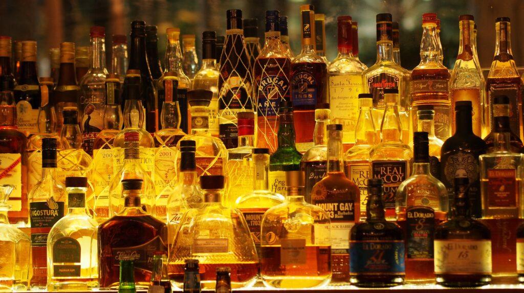 Goda romdrinkar på The Rum Line.