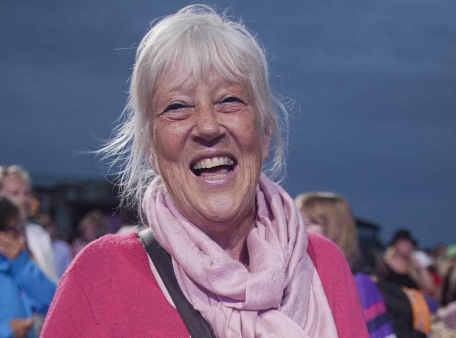 Anita Jacobsson, 69, lärare:- Ja, jag mår bra av att sjunga. Helst visor. Just nu barnvisor.
