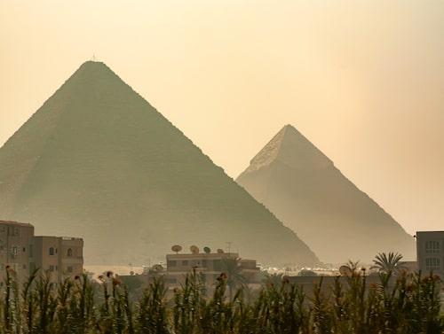 Pyramiderna i Giza i Egypten är totalt nio stycken.