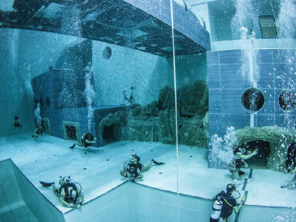 Även dykning med tuber och undervattensfotografering sker här.