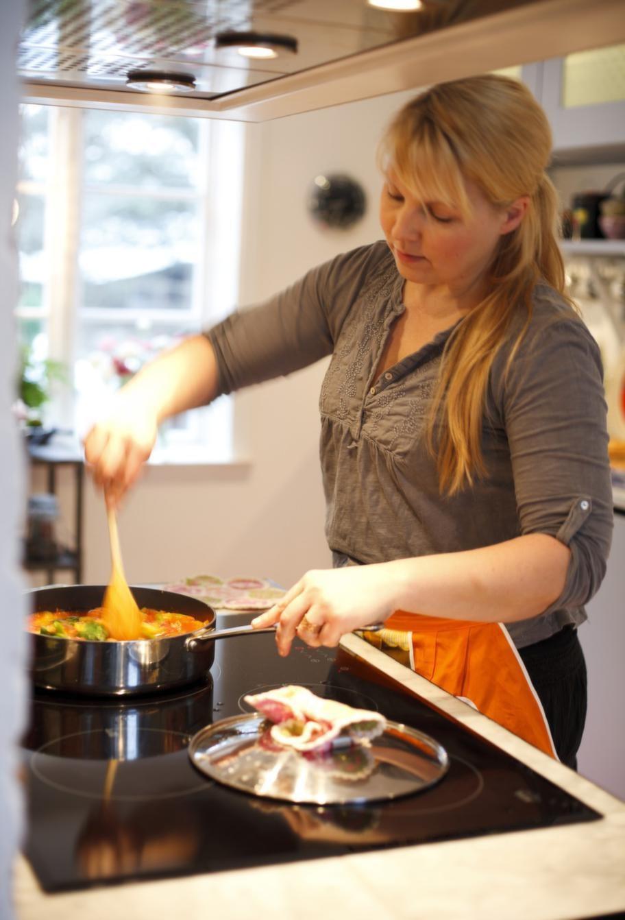 Ett av Marias stora intressen är matlagning och Italien. Här lagar hon en vegetarisk bondgryta.