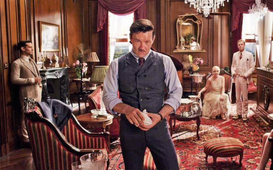 """""""Den store Gatsby"""". I en svit på The Plaza i New York blir Leonardo di Caprios rollfigur konfronterad av Tom gällande hans påstådda affär med Daisy (Carey Mulligan)."""