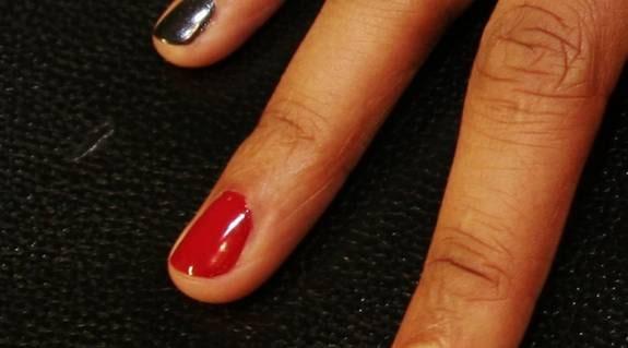 Ringfingret: För dejten. – Röda naglar är killmagneten nummer ett. Tyvärr är den röda färgen lite för underskattad av unga tjejer i dag.