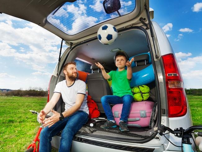 Utöver att ha familj och packning rätt placerad i bilen så måste du ha med varningstriangel, brandsläckare och förstahjälpen-utrustning till Ryssland.
