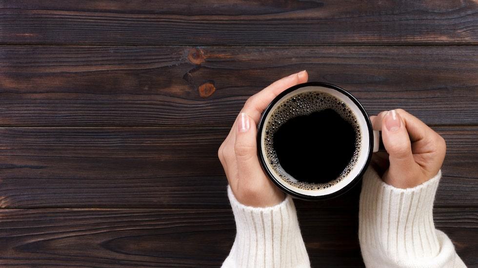 De allra flesta av oss dricker te eller kaffe på jobbet, men efter att ha läst detta kanske du kommer välja pappersmugg hädanefter eller ta med din egen privata mugg...