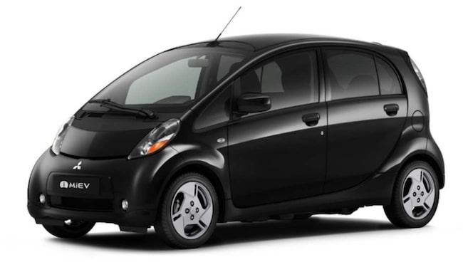 Sedan i början av sommaren kör prinsessan en svart Mitsubishi elbil.