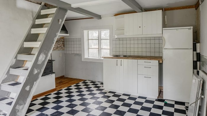 I hallen finns den gamla köksdelen.