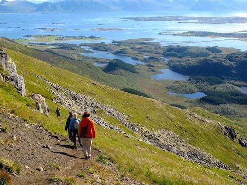 De vackraste platserna upplever man definitivt till fots. Dronningruta på Vesterålen är en av Nordnorges mest kända vandringar.