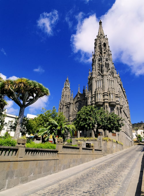 Den gotiska katedralen i Arucas.