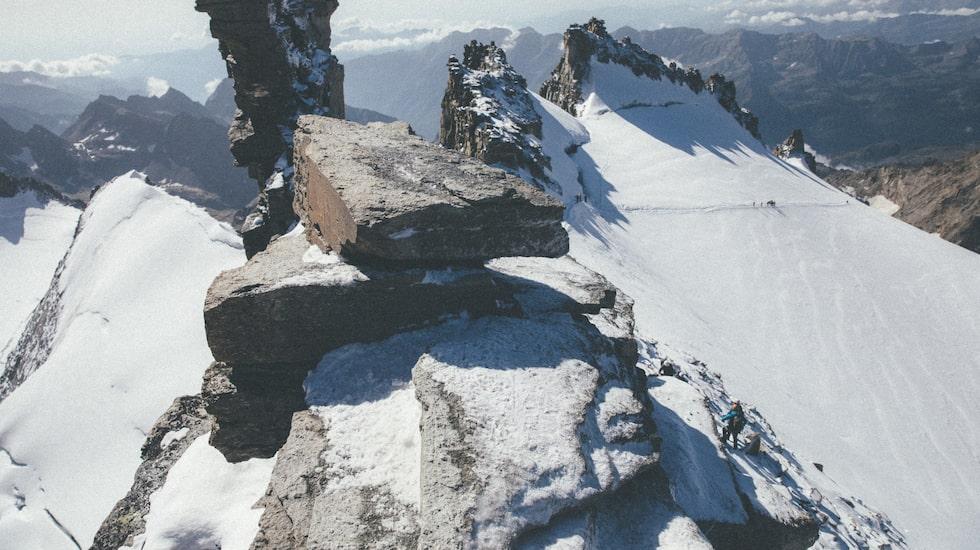 Att bestiga Europas berg är det vanligtvis 49 toppar, men Emma funderar på att lägga till tio till.