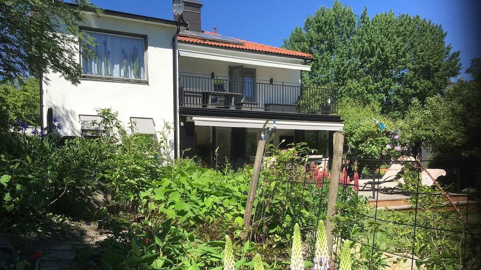 Huset är från 1940-talet och här har Christer och maken Martin Kagemark låtit bli att modernisera för mycket.