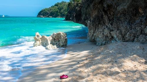 White Beach på Boracay i Filippinerna är känt för sitt turkosa vatten.