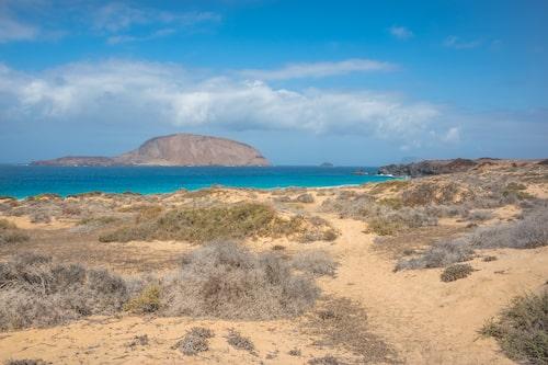 """""""Snäckstranden"""" (Playa de Las Conchas) på La Graciosa."""