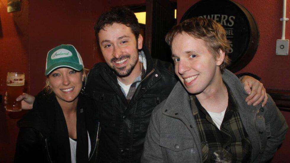 Turister från USA: Samantha, Ted och Adam.