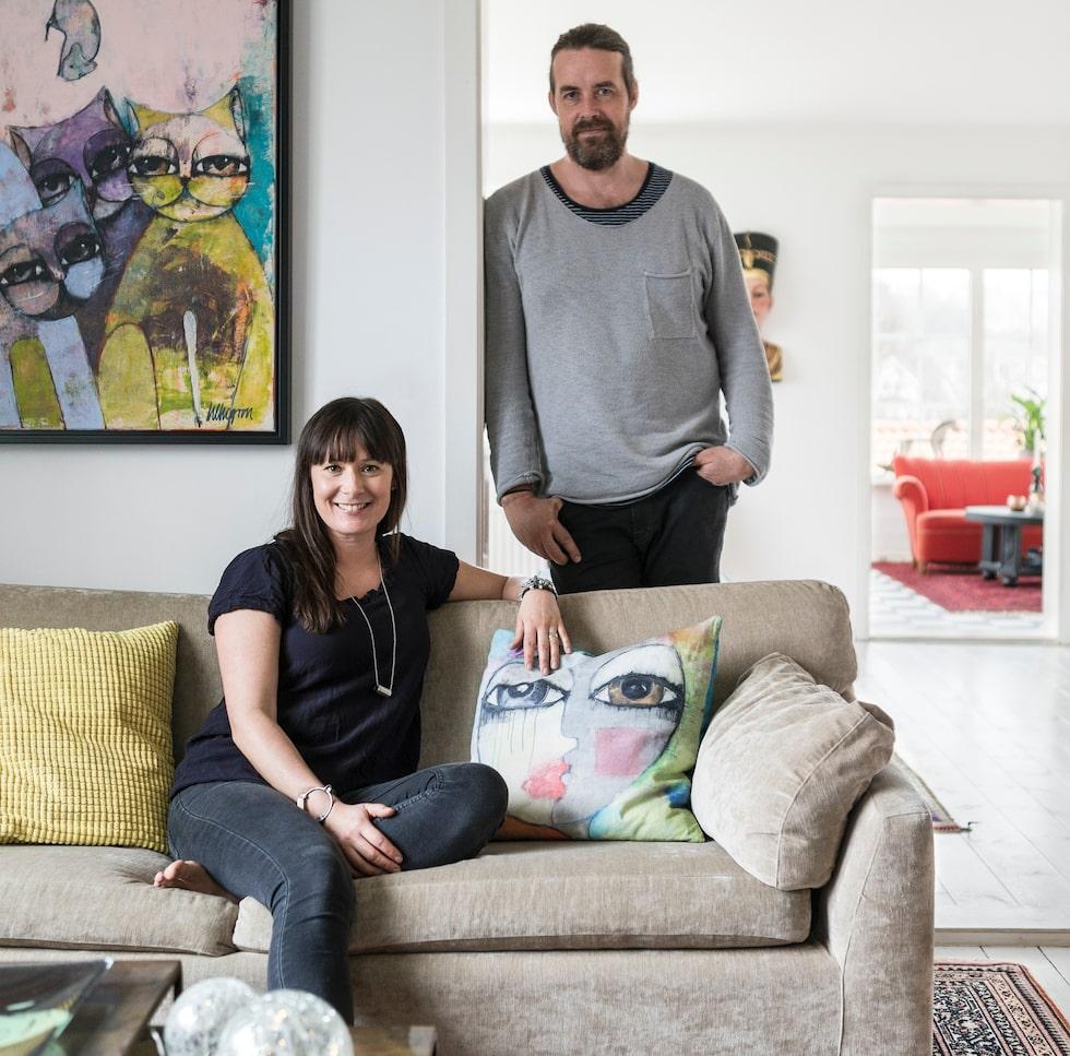 """""""Vårt hus har en personlighet"""", säger Hanna och Björn, som bor i en villa byggd 1916 i Önnered."""