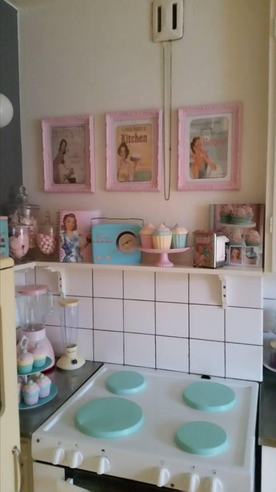 Pastell, pastell, pastell. Jessicas kök.