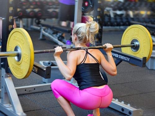 För att bygga muskler måste kroppen få energi. När Linn började styrketräna började hon se på det här med mat med andra ögon.