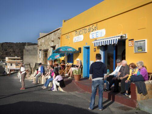 Skön kvällssol i byn Ajuy på Fuerteventura.