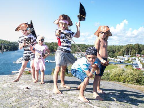 Daftö Resort har Kosterhavet som närmaste granne.