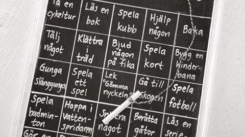 Likt vanlig bingo får man bingo när man fått en rad och då hittar familjen på något kul någon gemensam aktivitet att göra.