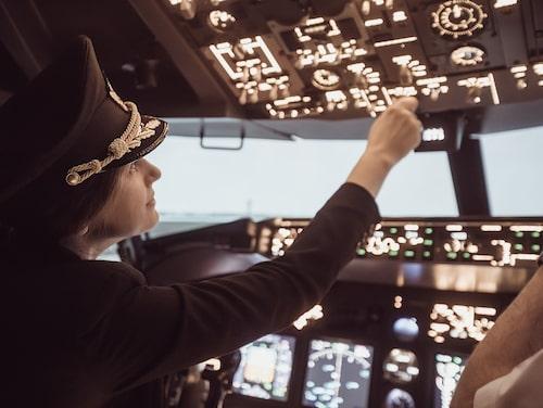 En pilot på forumet menar att det kan vara svårt att hitta landningsbanan ibland när det är mörkt och mycket ljus.