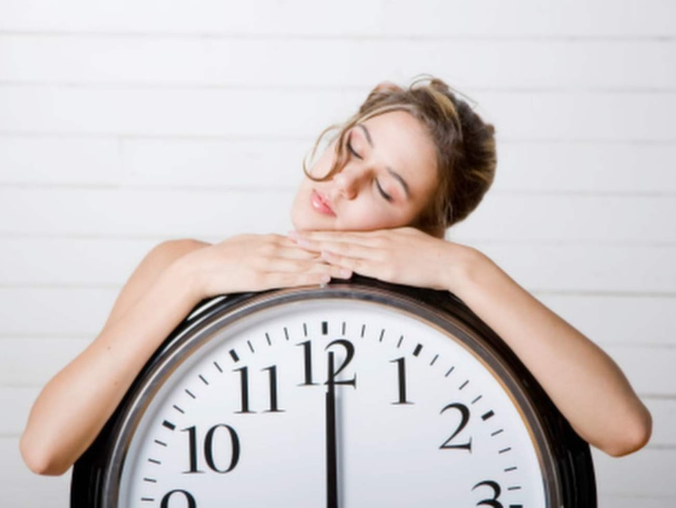 Sömn. Flera sömnexperter är emellertid eniga om att den optimala sovtiden snarare är sju timmar per natt än åtta.