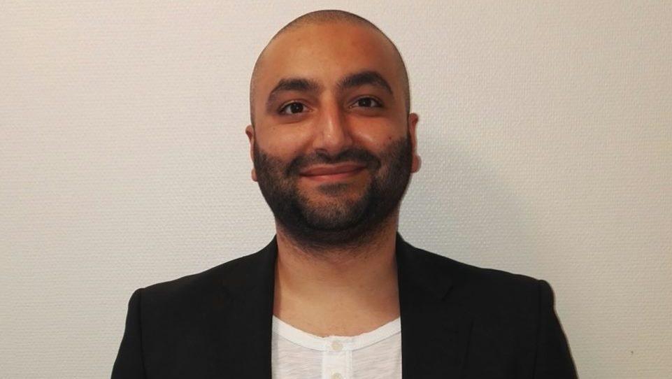 Ali Bjelkerud Al-zubaidi vill varna andra som kanske har speglar liggande hemma för vad som kan hända om solen lyser på dem.