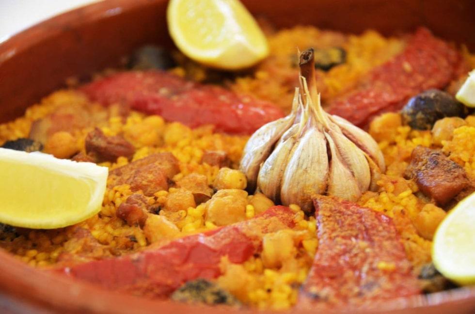 Paella. Olika risgrytor är vanlig mat på Costa Blanca.