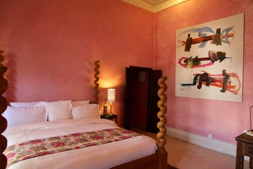 Ett av sovrummen till Riad El Fenn som ägs av Vanessa Branson.