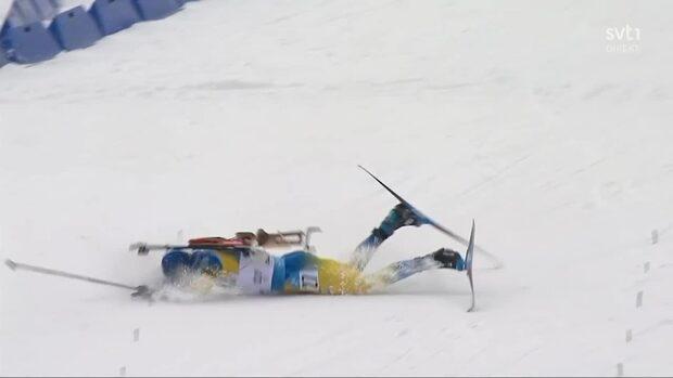 Märkliga scenerna: Samuelsson vurpar på upploppet