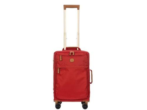 Bric's X Travel soft trolley är en snygg, funktionell och rymlig kabinväska.