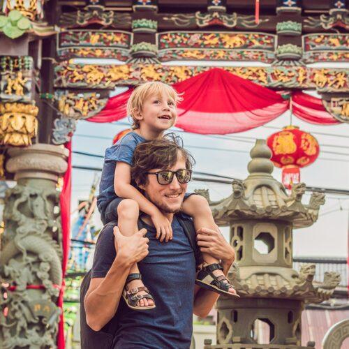 Phukets gamla stad med sin kinesiska historia är spännande för både stora och små.