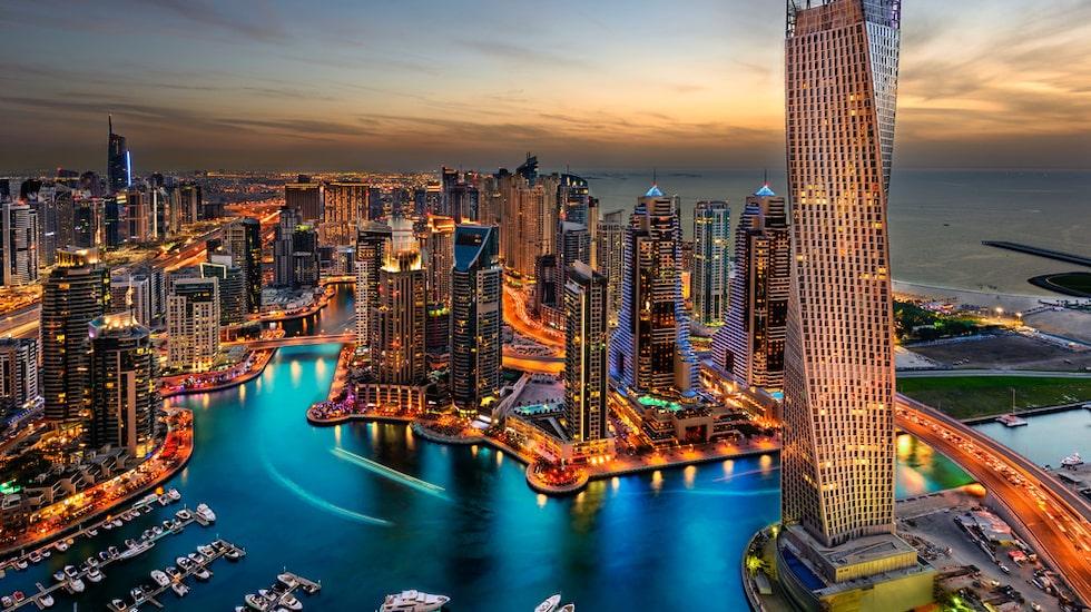 Dubai är på många sätt en annorlunda stad. Den är ung och grundades först på 1800-talet men sedan var det egentligen först under 1960-talet som allt tog fart tack vare den olja som upptäcktes här.