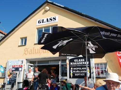 Glassfest deluxe på Galssmagasinet i Visby.