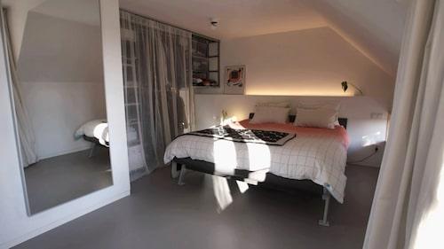 Sovrum på övervåningen.