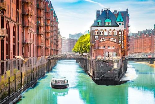 I Hamburg finns fler broar än i Amsterdam och Venedig tillsammans.