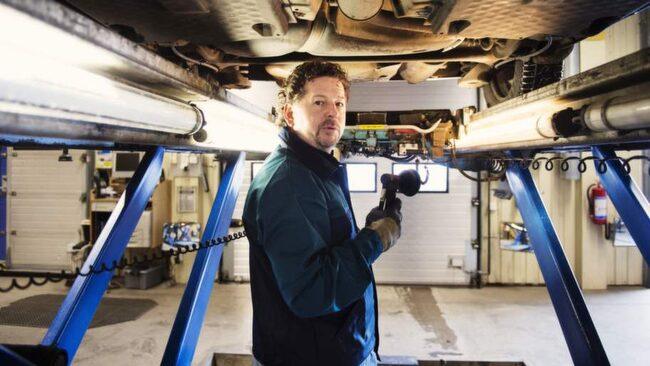 Morgan Isacsson ger sina bästa råd om bilbesiktning.