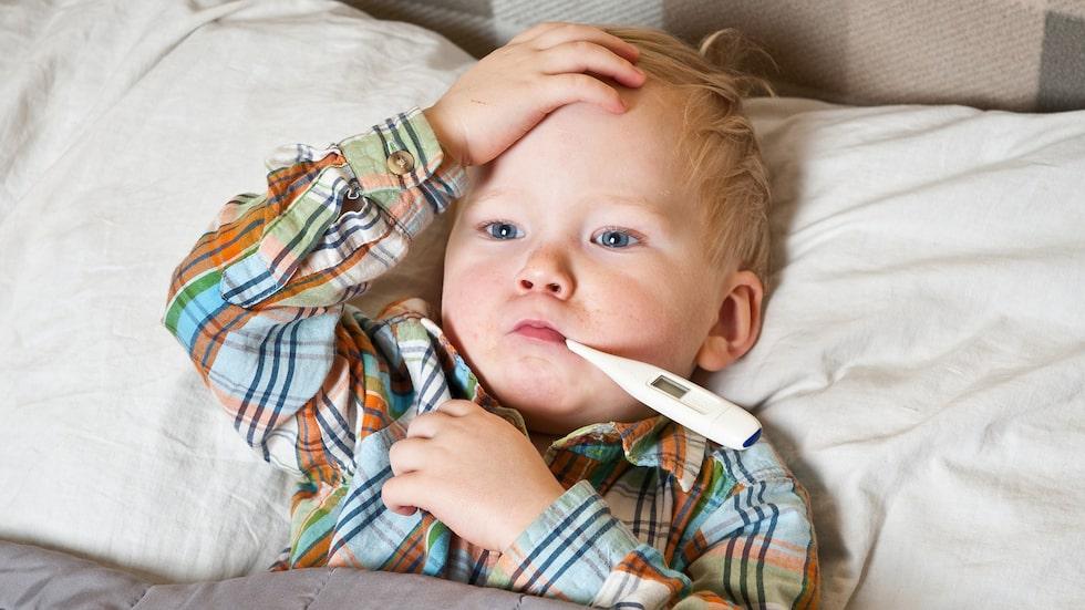 Barn under sex år är känsligare för magsjuka och kan drabbas av vätskebrist och uttorkning.