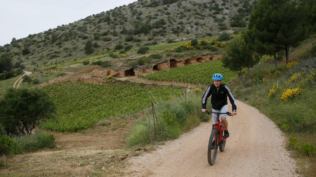 Cykla mountainbike utanför Bol på Brac.