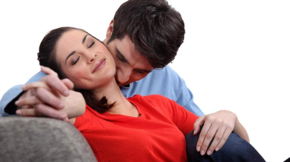 Kvinnor gillar lätta kyssar i nacken.