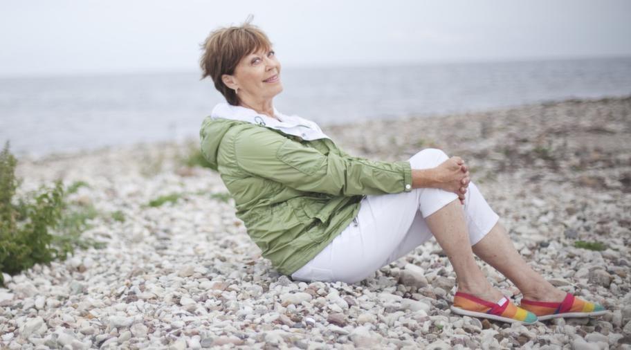 <strong>Lill Lindfors.</strong> Ålder: 72. Gör: Artist.<br>Anknytning till Åland: Hennes pappa kommer från Åland. Lill är delvis uppväxt i den åländska skärgården och har länge haft ett hus där.