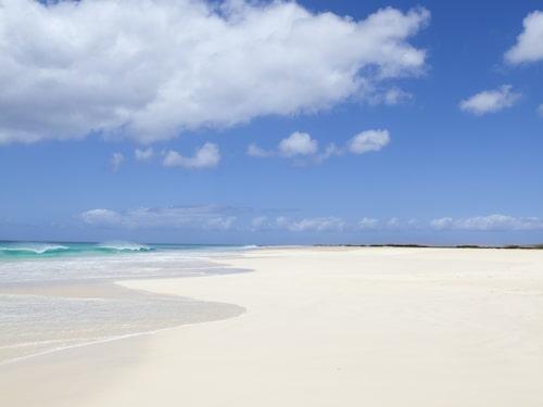 Gott om plats på den 22 kilometer långa stranden på Kap Verde.