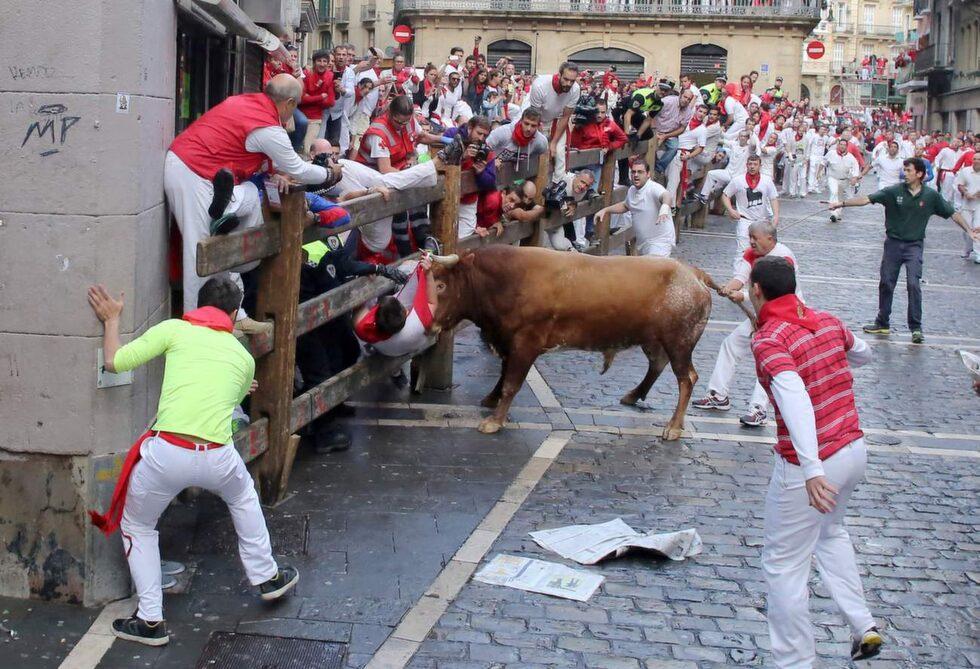 Tjurrusningen i Pamplona.