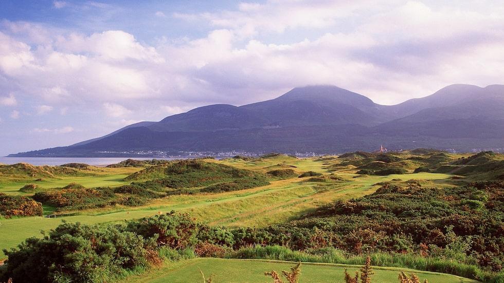 Royal County Down rankas som en av världens tio bästa golfbanor, och när det kommer till linksgolf finns det få konkurrenter