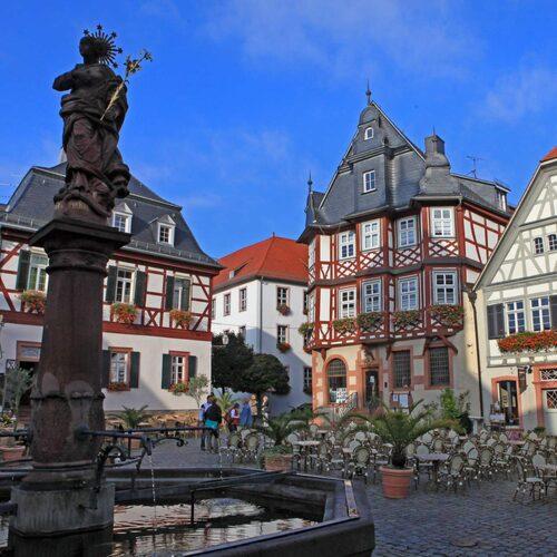 Heppenheim är huvudort i ett av Tysklands minsta vindistrikt