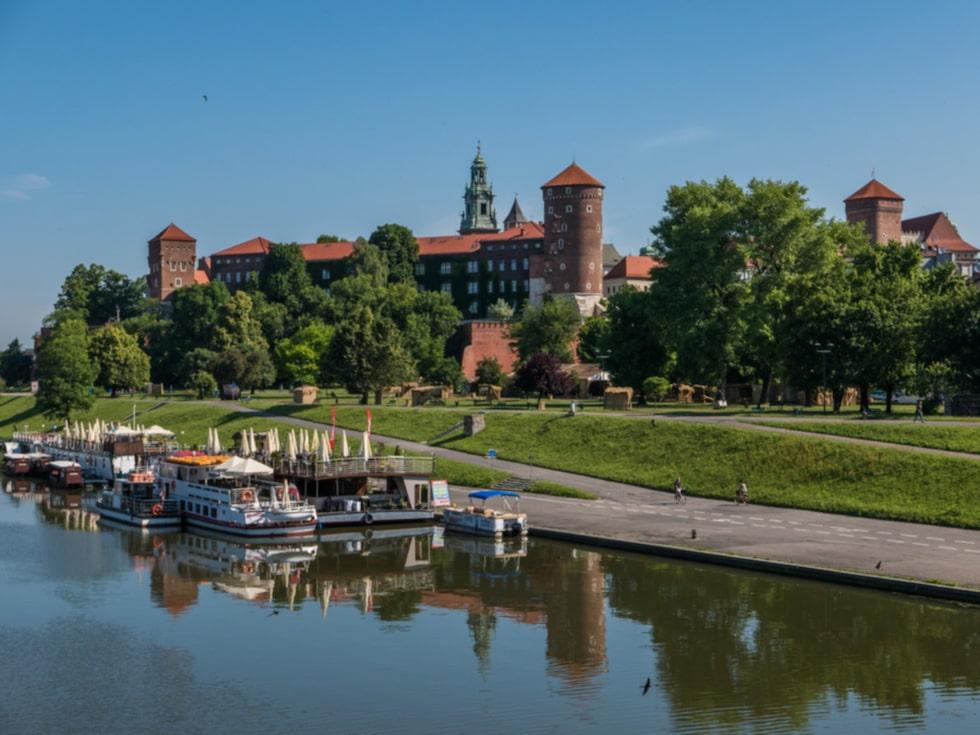På slottet Wawel ligger många kungar begravda.
